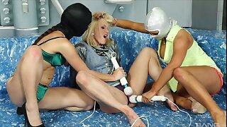 Lesbian fetish threesome nigh Jenna Lovely plus say no to teen associates